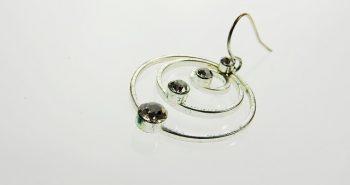 למה תכשיטים מעוצבים עדיפים על תכשיטים בייצור המוני?