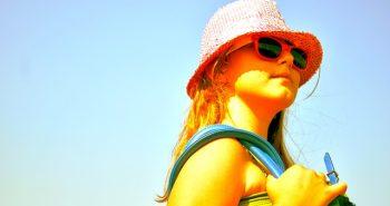 כך תגנו על הילדים שלכם מפני השמש בכמה פעולות פשוטות